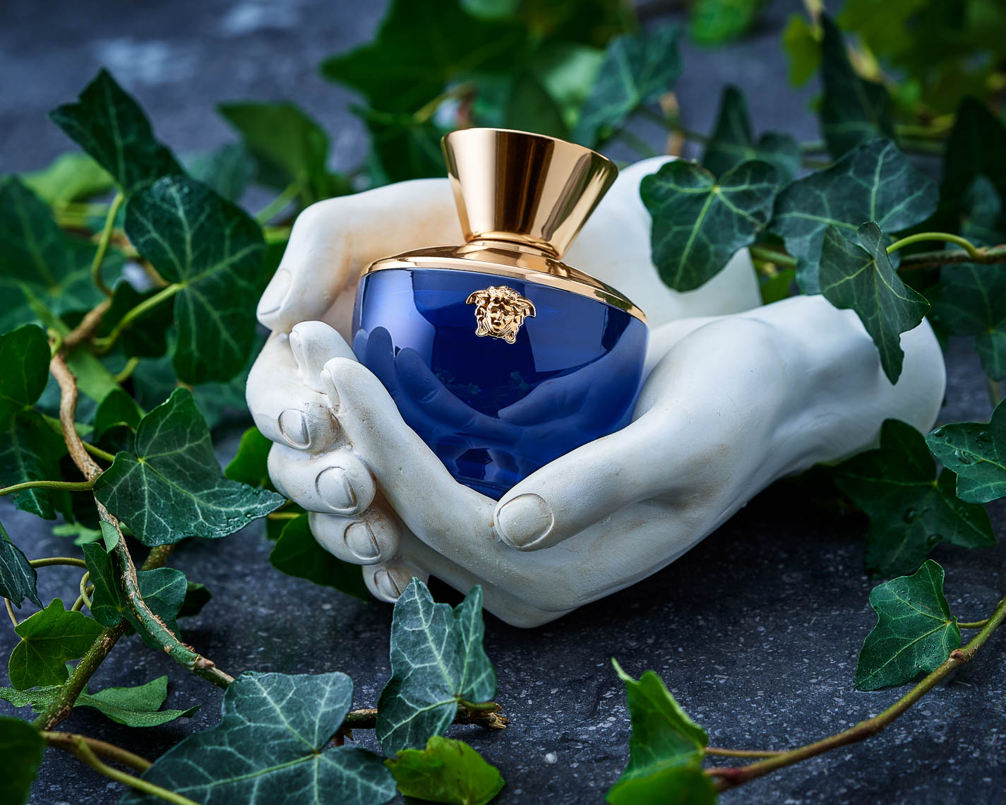 product photographer cosmetics photography Versace Blue Dylan cologne perfume  pour femme