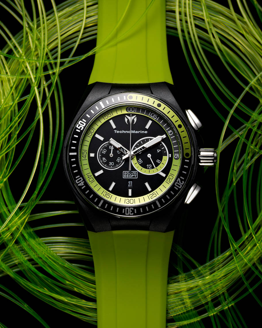 Techno Marine diving watch with green rubber strap
